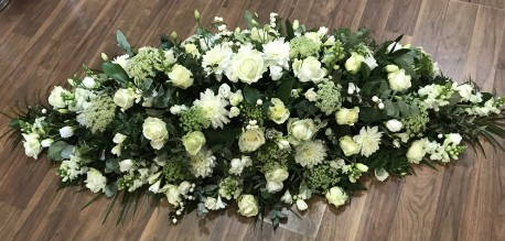 5ft White and Green Casket Spray
