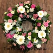 Gerbera, Rose and Lizzianthus Wreath in Pinks and Whites